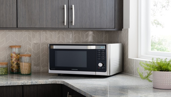 How to Clean Your Microwave in 3 Min Chrono with White Vinegar?