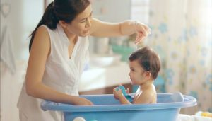 Baby Bath Care   8 Tips how to give the new born baby bath